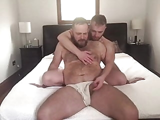 bareback (gay) bear (gay) big cock (gay)