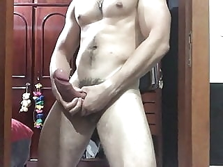 amateur (gay) big cock (gay) handjob (gay)